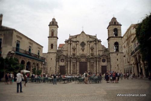 Plaza Catedral in old havana