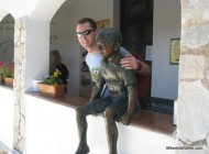 Che and visiting the town of Alta Gracia