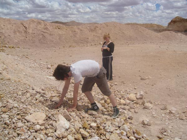 Noodling for opals in coober pedy