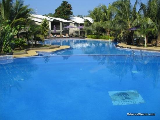 pool at iririki island resort