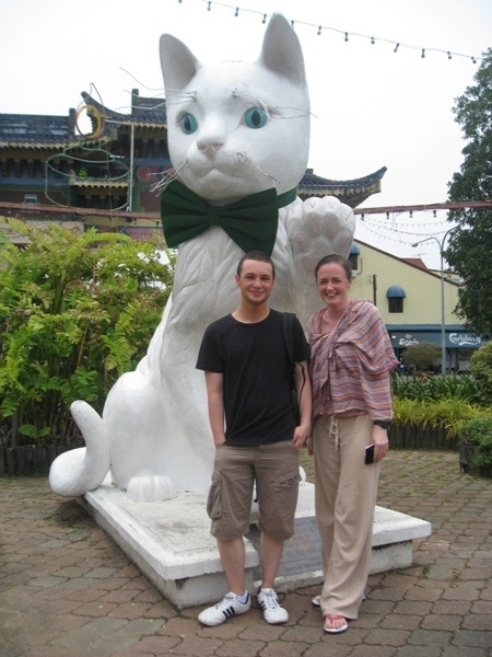 kuching things to see and do cat statues