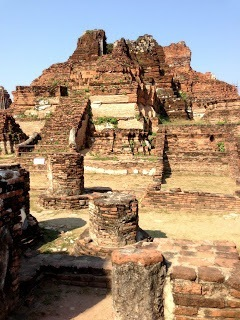 Wat Phra Mahathat ayutthaya with kids