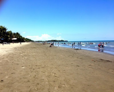 Much busier on the Sunday at baybay beach roxas city