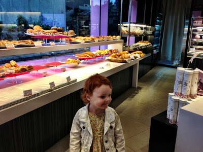 Bread bakery in Taipei with kids