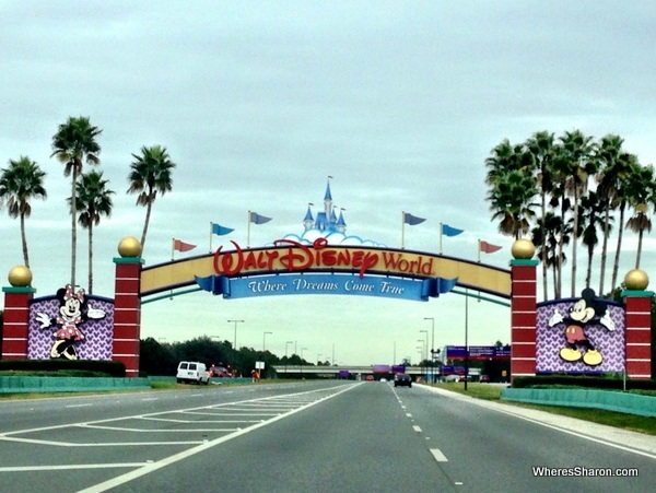 disneyworld arch over the road