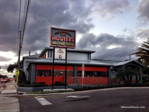 the outside of Hooters Clearwater