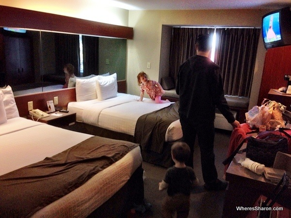 double room with kids at Microtel Inn and Suites Daphne