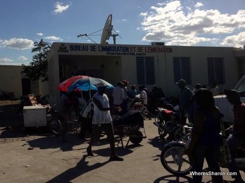 The Haitian border post crossing