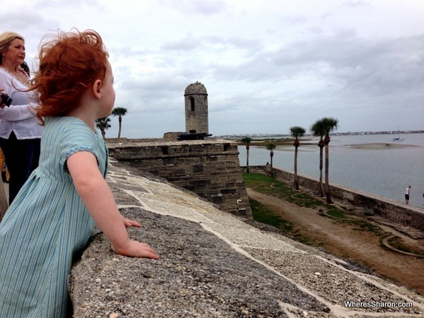 Walking to Castillo De San Marcos St Augstine with kids