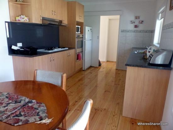 kitchen in airbnb bendigo