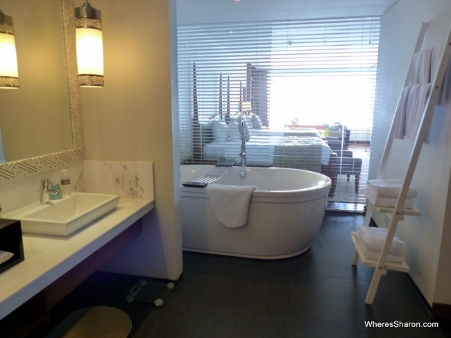 Samabe bali suites bathroom