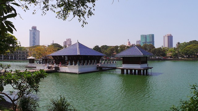 beira lake things to do in colombo with kids
