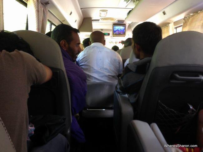 luxury bus nuwara eliya to kandy