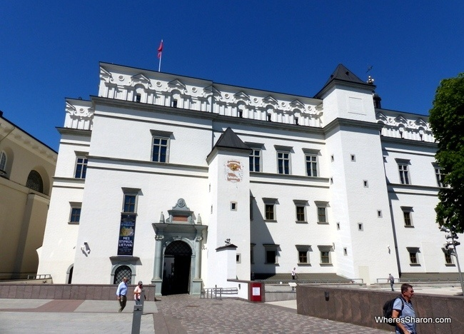 The main entrance to the palace, off Cathedral Square.