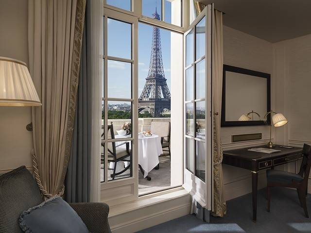 Family Rooms With Views Of The Eiffel Tower