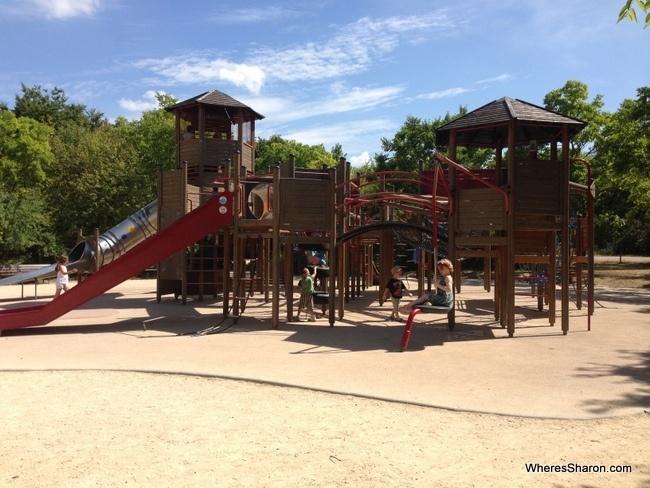 playgrounds at Parc Floral de Paris