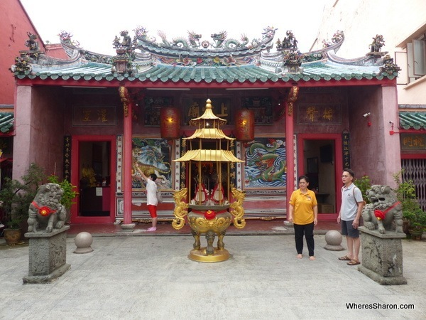 things to see in kuching Hiang Thian Siang Temple in the heart of Chinatown.