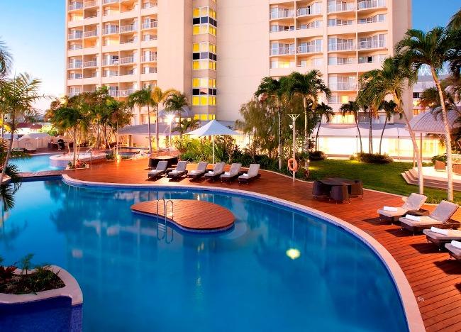 Pullman Cairns International - Exterior & Pool - landscape