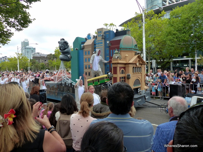 things to do in melbourne - moomba festival