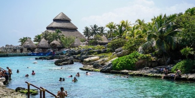Best Family Resorts in Cancun Xcaret Lagoon
