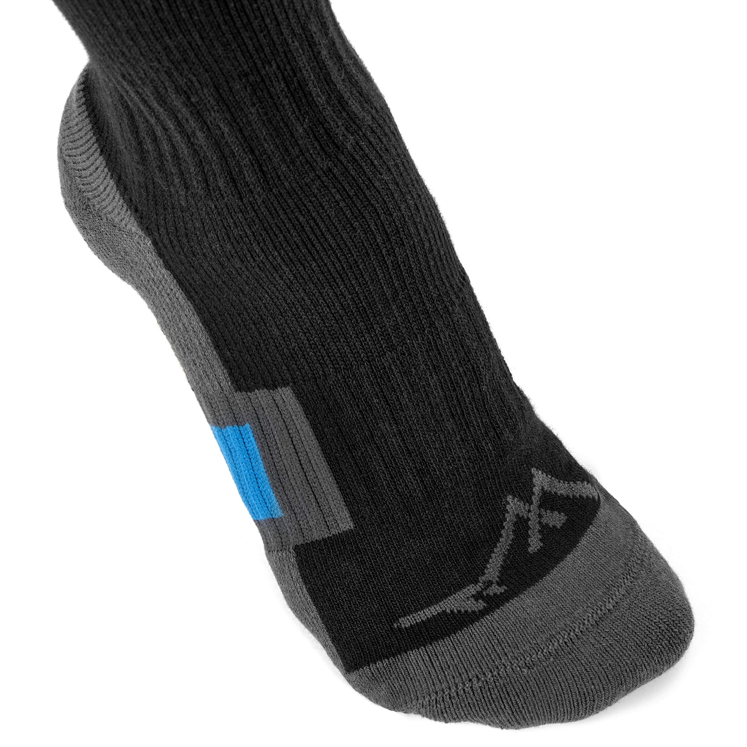 2cf6ed7e9 Buying Guide to the Best Compression Socks 2018 - Family Travel Blog ...