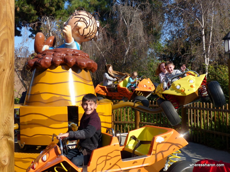 family attractions los angeles Knotts Berry Farm