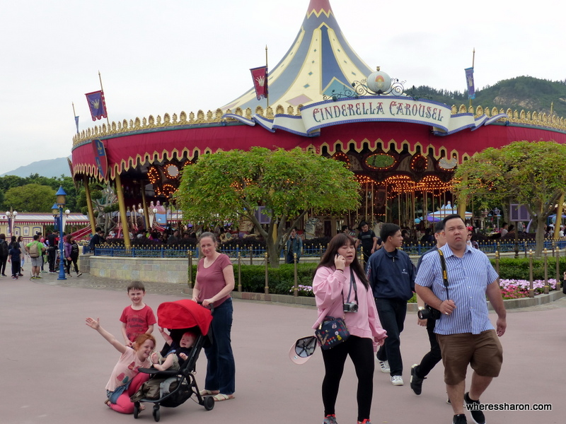 Fantasyland disneyland hk review
