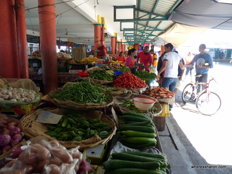 Monday Market must see places in mauritius