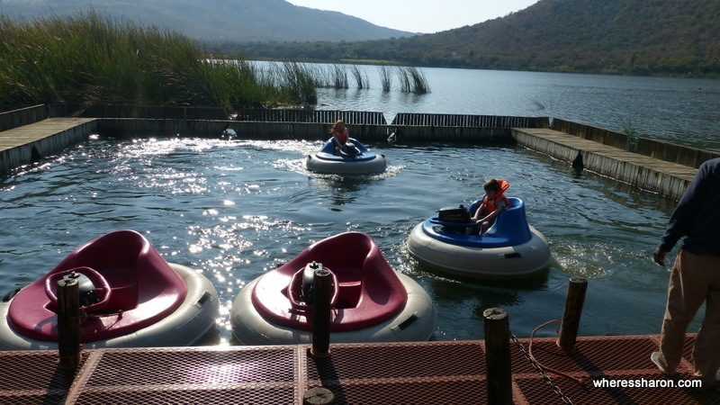 The bumper boats by the lake, another of the many things to do in Suncity South Africa. Sun City South Africa reviews talk about them a lot.